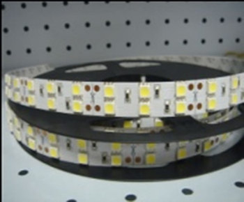R5050E120Y5M :: RUBAN FLEXIBLE LED INT-EXT BLANC CHAUD ROULEAU 5 METRES 120 LEDS SMD5050 PAR METRE